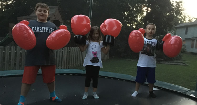 kids-boxing-gloves