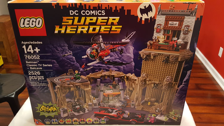 lego-76052-classic-batman-batcave-box