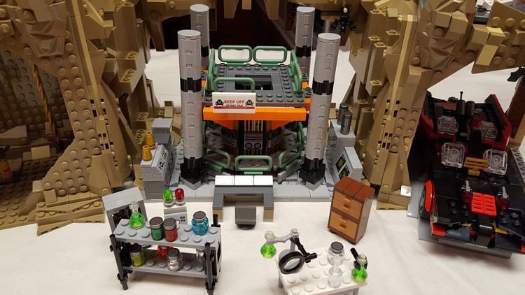 lego-76052-classic-batman-batcave-nuclear-stack