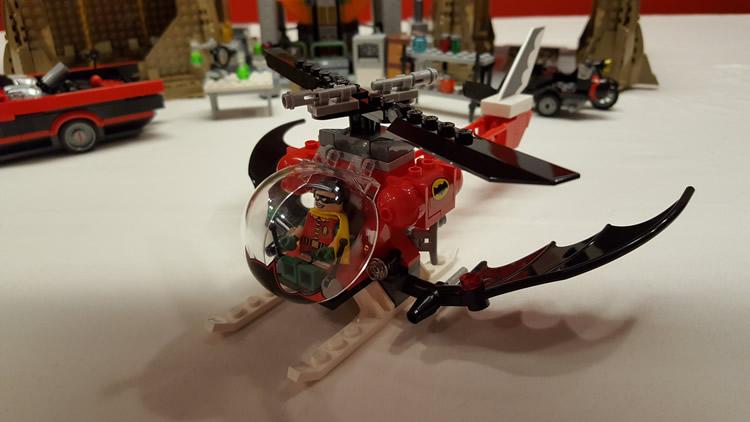 lego-76052-classic-batman-batcave-robin-helicopter