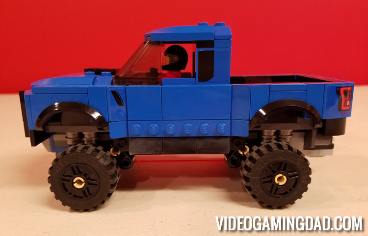 75875 Ford F-150 Raptor & Ford Model A Hot Rod - Side View